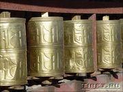 Молитвенный барабаны. Ом Мани Падме Хум