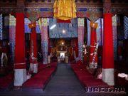 Монастырь Сэра, зал для службы