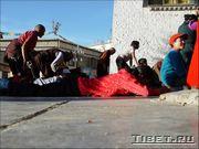 Простирания у Джоканга (Jokhang)